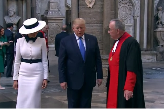 Melania Trump rinde homenaje a Lady Di en Reino Unido