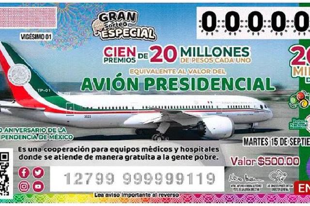 Con memes tratan de explicar la rifa o venta del avión presidencial