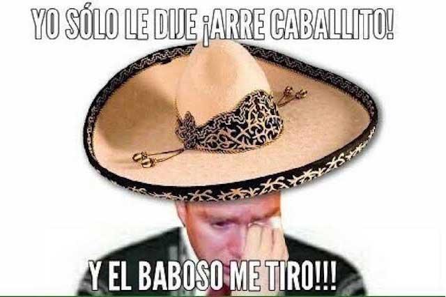 Se burlan con memes de Manuel Velasco por caída al hacer suerte charra