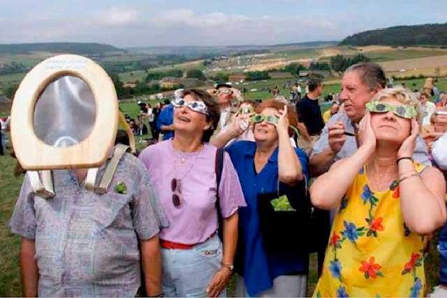 No podían faltar los Memes del eclipse solar