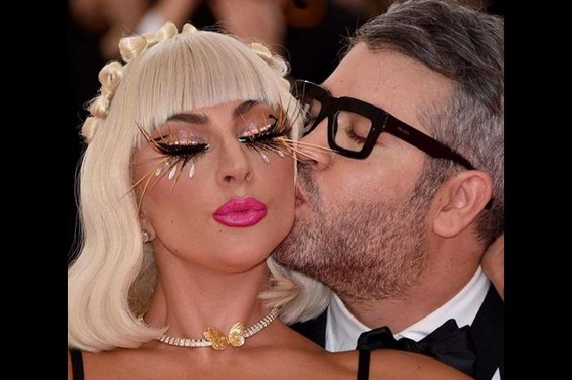 Memes golpean a Lady Gaga tras separación de Irina y Bradley