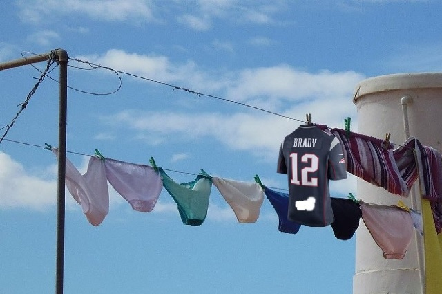 Memes del robo de la playera de Tom Brady que apareció en México