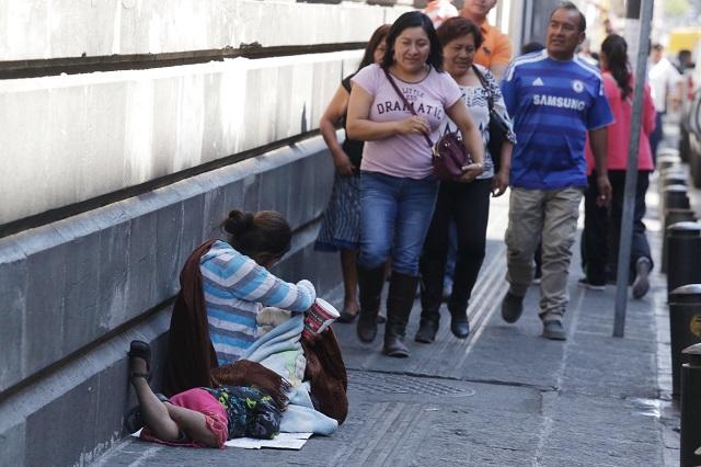 Baja pobreza en Puebla pero hay más riesgo de caer en ella: Coneval