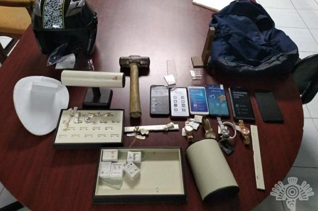 Menor de edad, implicado en robo a tienda de celulares en Puebla