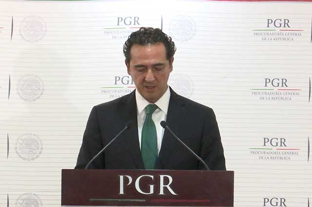 PGR asegura que la orden de destituir a Santiago Nieto no salió de Los Pinos