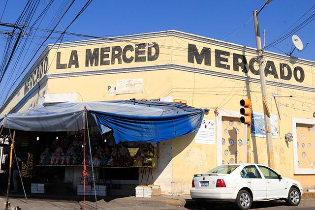 Locatarios del mercado La Merced se suman a la campaña de Doger
