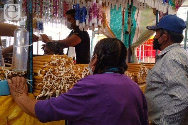 Se instala mercado de Todo Santos en Tehuacán