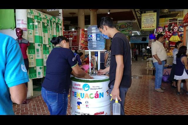 Colocan lavamanos a la entrada de mercado en Tehuacán