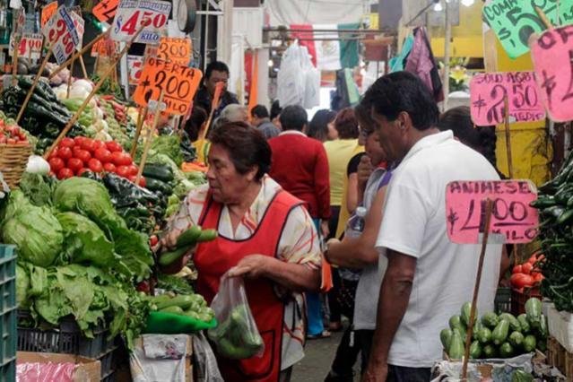 Locatarios acusan hostigamiento para cerrar sus áreas de venta