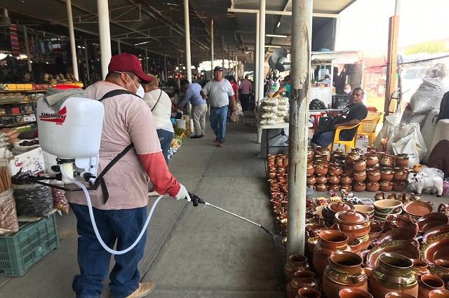 Desinfectan mercados de Izúcar de Matamoros