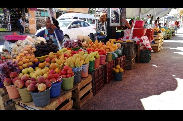 Siguen laborando mercados de Tehuacán con medidas preventivas