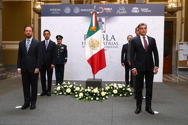 Gali y Banck inician actividades del mes patrio en Puebla