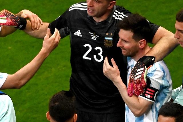 'Baila ahora': la burla de Messi sobre Mina en tanda de penales