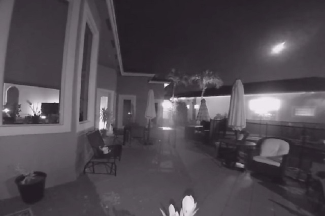 Video: meteorito cae al lado de casa en Florida