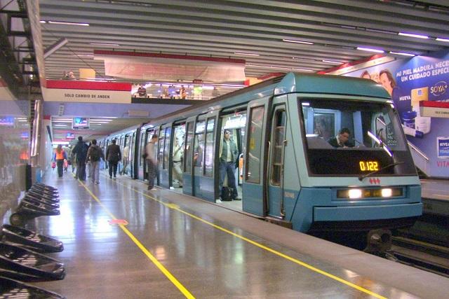 Conductora del metro cuenta infidelidad a pasajeros por error
