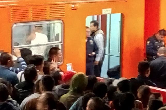 Capturan al sujeto que baleó a un usuario en un vagón del Metro