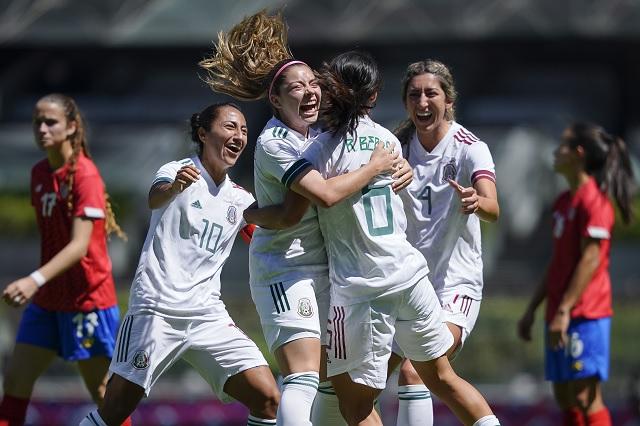 Selección Femenil arrasa con Costa Rica durante su presentación en el Azteca