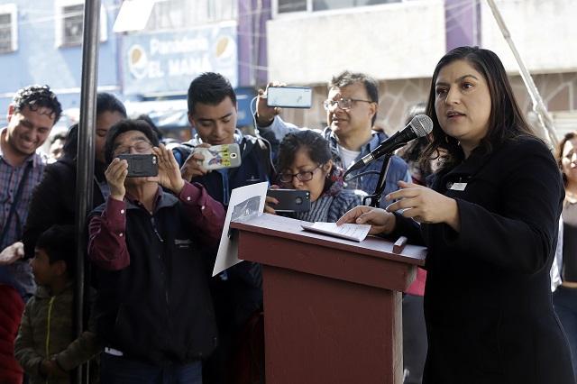 No pactaré con huachicoleros y pederastas, dice Claudia Rivera