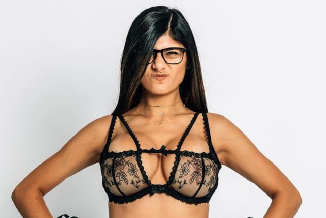Ex estrella porno vuelve a las andadas y publica foto desnuda
