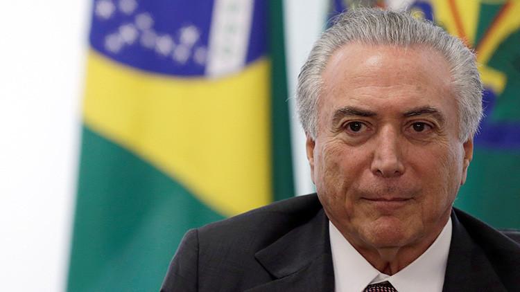 Brasil debate si el presidente Michel Temer debe renunciar o si lo destituyen