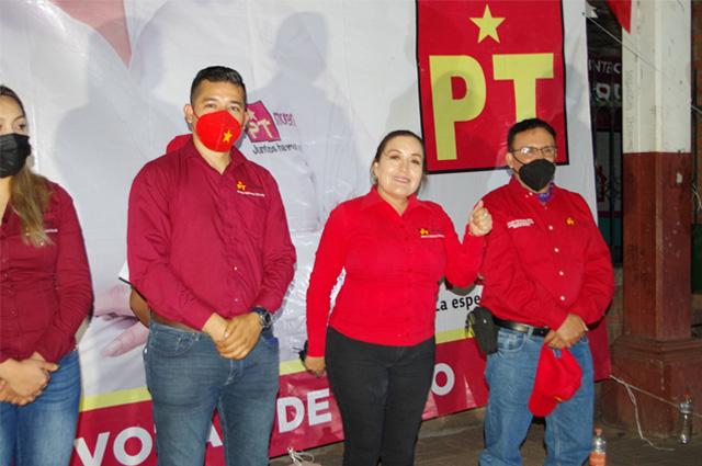 Atacan a balazos a candidata de Morena en Michoacán