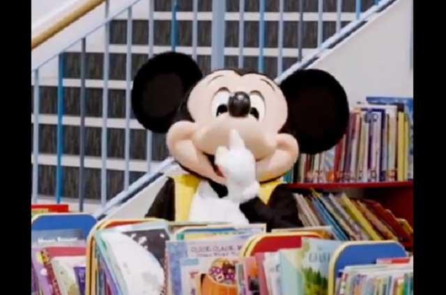 Mickey Mouse Prepara Sorpresas En Su Cumpleanos Numero 89 E
