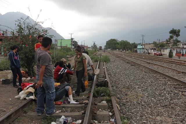 Organizaciones civiles preparan regreso de migrantes a Puebla
