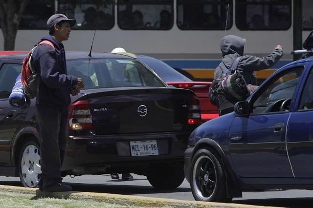 Familias pasan por México rumbo a EU huyendo de sus países: ACNUR