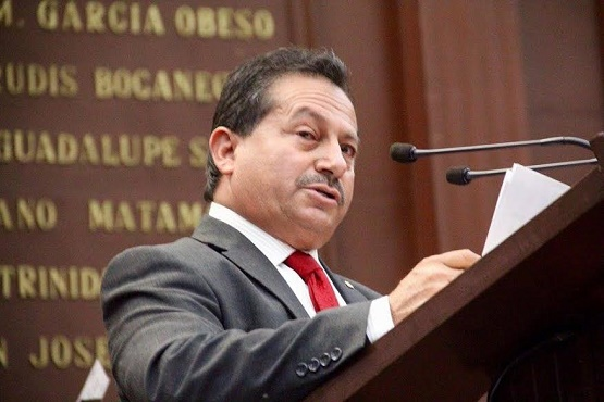 Comando ataca a balazos a candidato del PRI en Michoacán