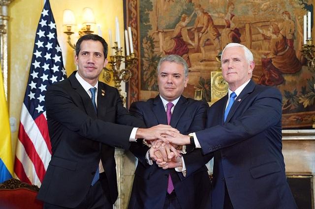 Mike Pence pide a México que reconozca a Juan Guaidó en Venezuela