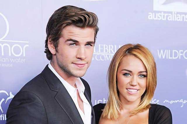 Miley Cyrus y Liam Hemsworth cantan a ritmo de Justin Bieber
