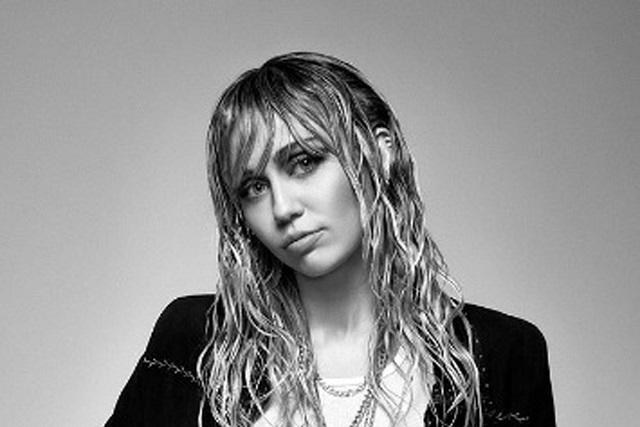 Miley Cyrus será operada de sus cuerdas vocales