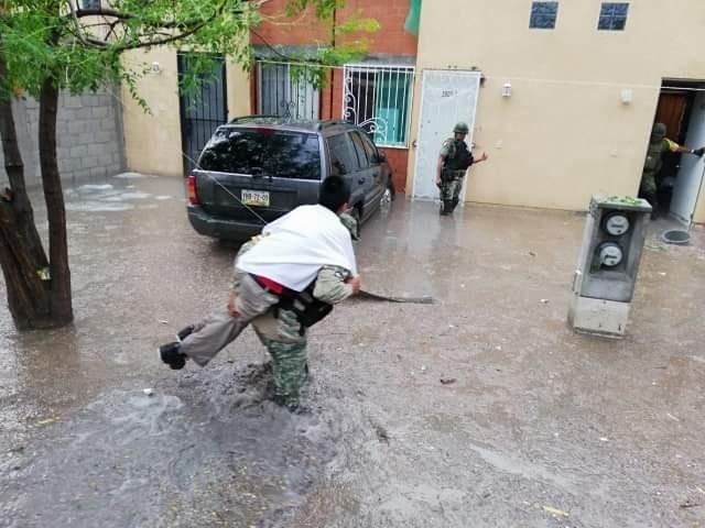 Militares intervienen en ayuda a damnificados por lluvia en Tehuacán