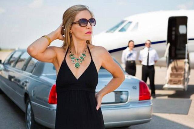 Mujer se hizo millonaria por un error que le costó 10 dólares