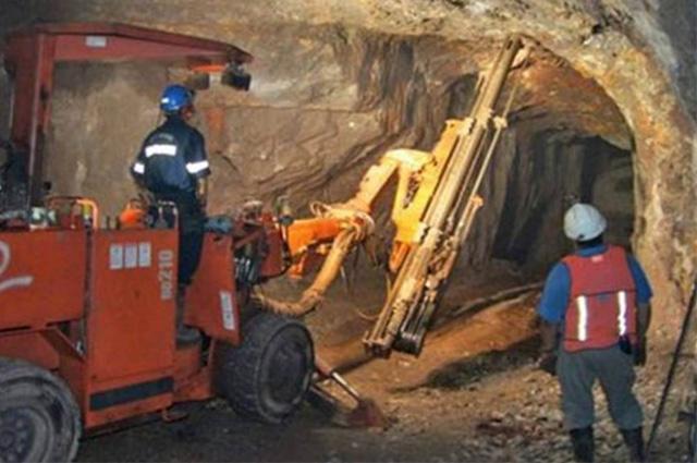 Colapsa mina en Coahuila; reportan siete atrapados