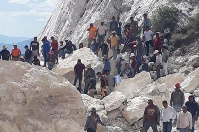 Sube a 3 el número de muertos por derrumbe en mina de Hidalgo