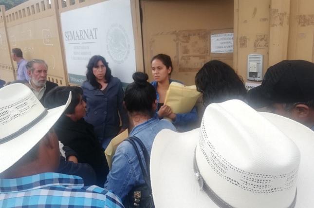 Pobladores de Ixtacamaxtitlán afirman que sí aprueban a mina