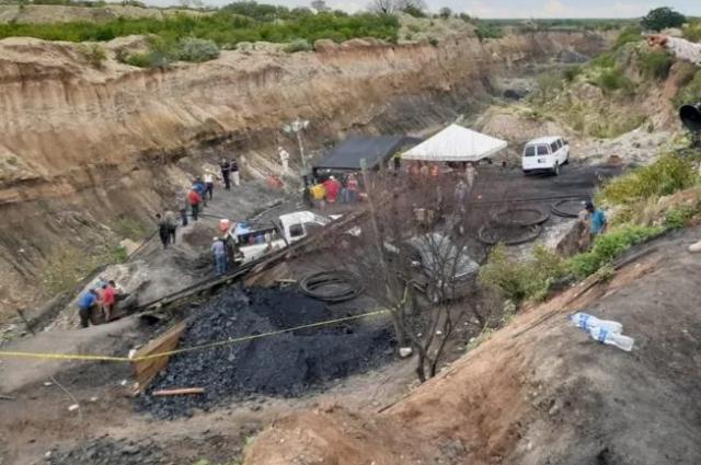 Rescatan a minero atrapado en la mina Múzquiz