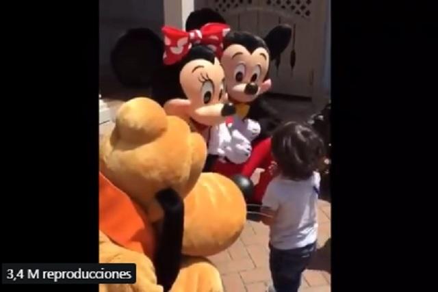 """Minnie se dio cuenta de que era sordo y le dijo """"Te quiero"""" en lenguaje de señas"""