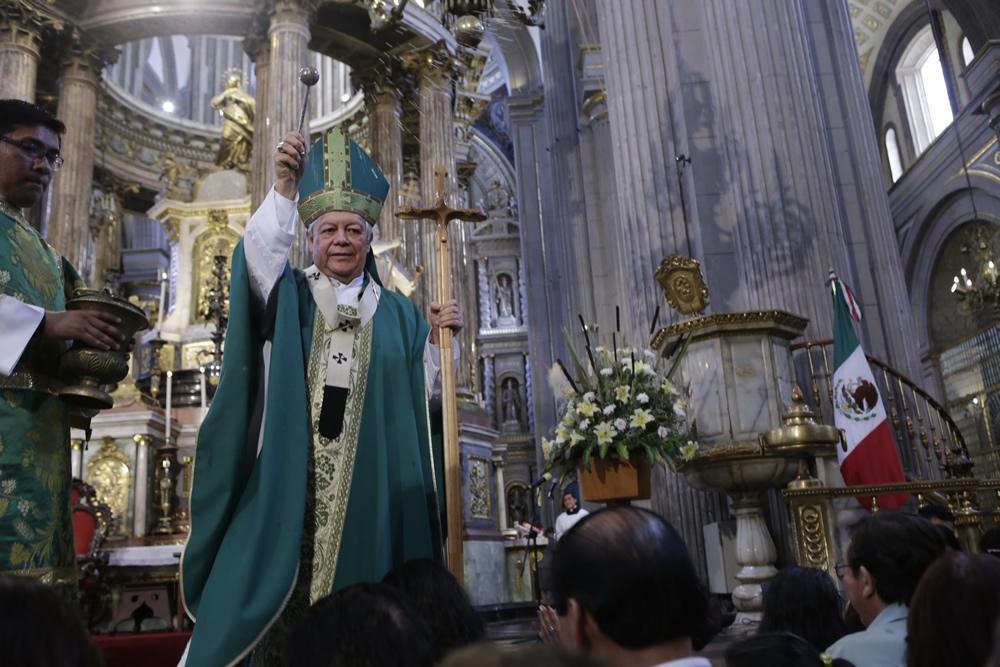 Ni una más, expresa arzobispo de Puebla ante crimen de universitaria