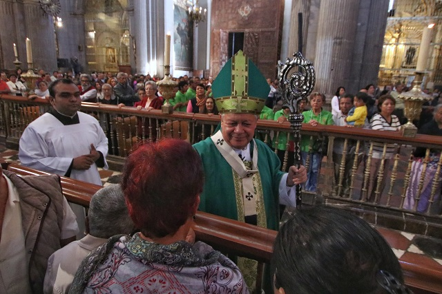 Arzobispo alerta sobre curas falsos; aconseja recurrir a parroquias