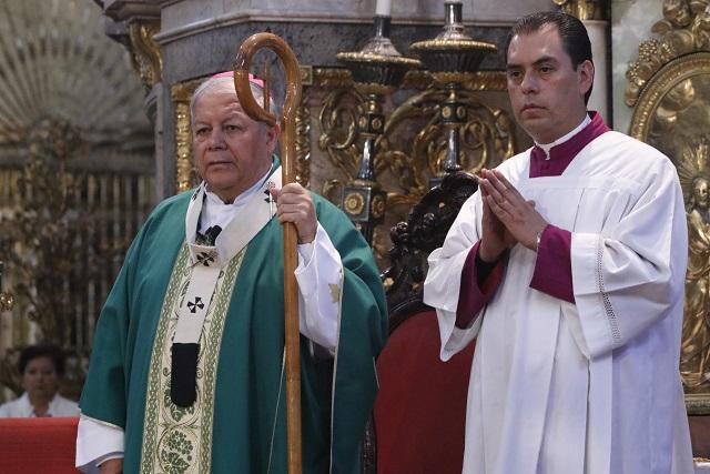 Llama arzobispo a poblanos a dejar huachicol por otras opciones