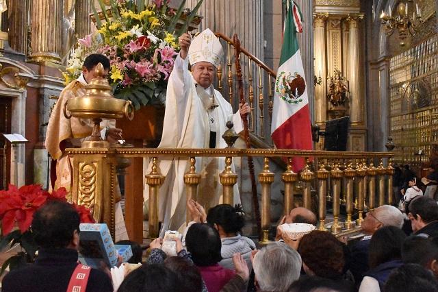 Alza de impuestos pega duro a economía poblana: arzobispo