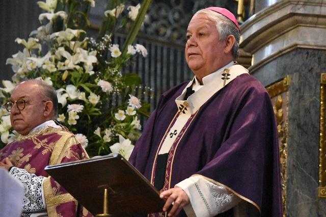 Espera arzobispo de Puebla que no haya vandalismo en el 8M