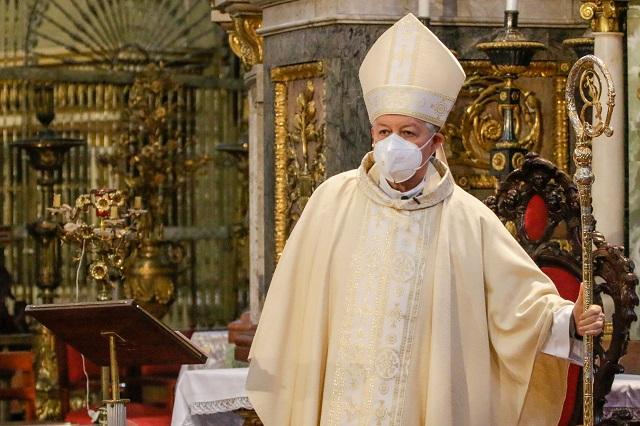 Se lanza arzobispo de Puebla contra el matrimonio igualitario