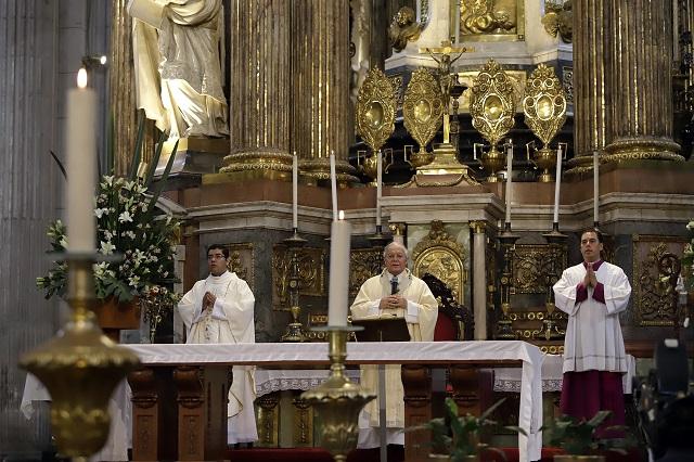 Arzobispo suspende lavatorio de pies y ofrece misa a víctimas de Covid