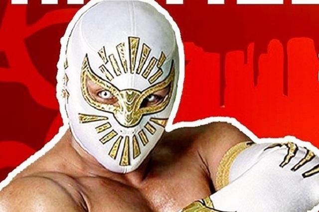 TvNotas desenmascara al luchador Místico y muestra fotos de su rostro