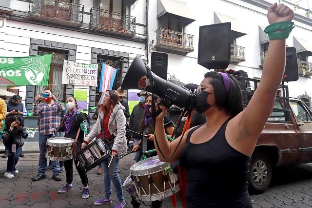 Congreso bloquea a CNDH y van policías a protesta feminista