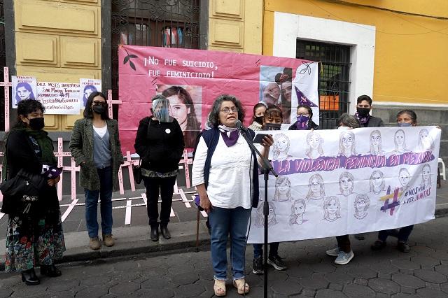 Familias de víctimas exigen castigo a feminicidas en Puebla