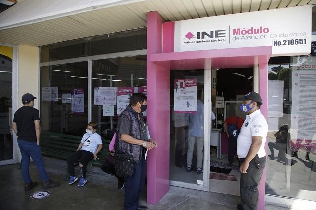 Reabre INE módulos en Puebla; atienden por cita